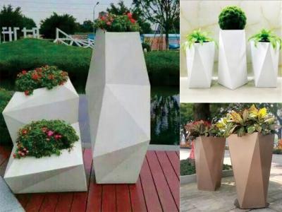 户外花箱制作厂家常用的花箱材质分析